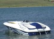 Скоростной водомётный катер RUSH 14 XR.