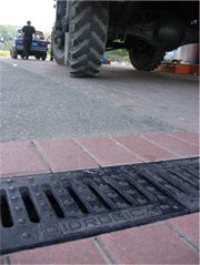 Лотки водоотводные пластиковые бетонные пескоуловители дождеприемники