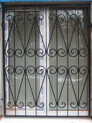 Решетки на окна,  балконы.