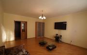 Продам трехкомнатную квартиру в отличном районе